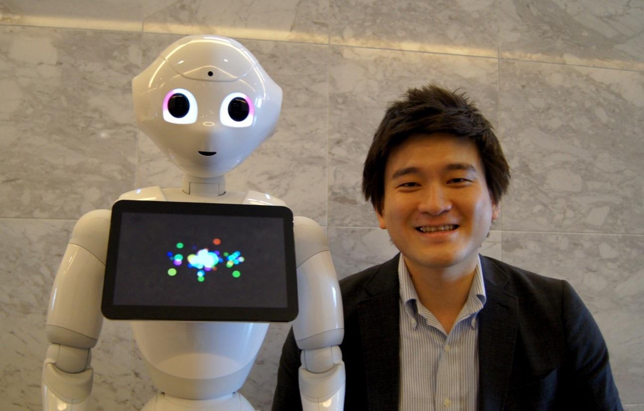 スマホと「ロボット」を跨いだ、新しいO2Oコミュニケーション/LINE・Pepper連携